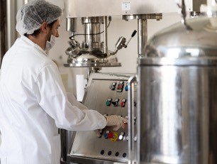 Produzione prodotti nei laboratori Arganiae